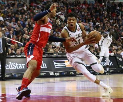 Giannis Antetokounmpo to miss Bucks' next two games to manage soreness in his right knee