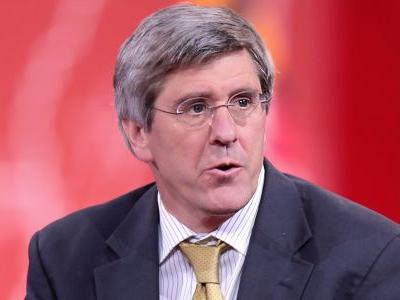 Trump's Federal Reserve Board pick Stephen Moore once said women should be banned from men's sports games, and called female refs an 'obscenity'