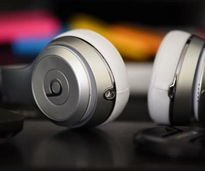 High End Apple Over The Ear Headphones In The Works