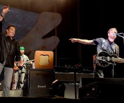 Watch Wayne Newton Join The Black Keys At Life Is Beautiful