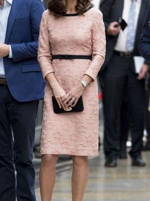 Kate Middleton Wore the Most Flattering Dress to a Train Station