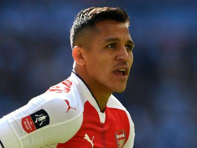 Alexis Sanchez equal Van Persie's scoring mark with FA Cup strike