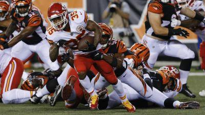 Three Chiefs throw TD passes in win over Bengals