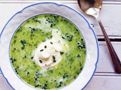 Spring Pea Soup with Leeks and Herbs