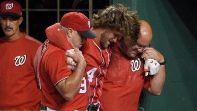 Nationals' Harper leaves game with apparent knee injury