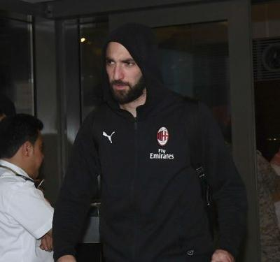 Higuain dropped by Milan ahead of Chelsea move