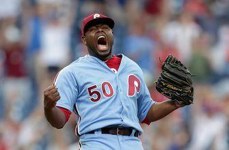 Hector Neris shouts at Dodgers dugout after closing out 7-6 win for Phillies