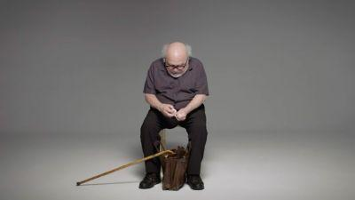 Danny DeVito Delivers Masterclass In Theatrical Egg Eating