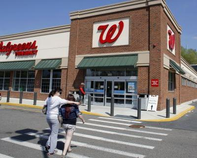 Walgreens gets OK to buy 1,932 Rite-Aid stores