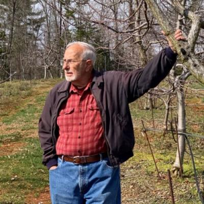 An Appreciation for Lee Calhoun, the Man who Saved Southern Apples
