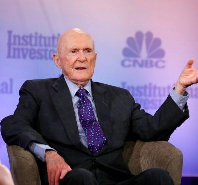 HEDGE FUND BILLIONAIRE JULIAN ROBERTSON: 'We're creating a bubble' and it's the Fed's fault