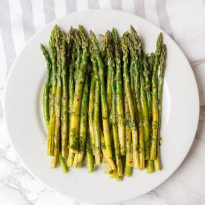 Grilled Asparagus with Chimichurri