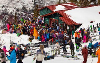 This Aspen Ski Shack Will Shower You in $125 Champagne