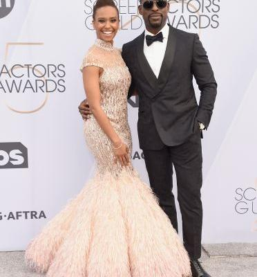 The Tweets About Sterling K. Brown & Ryan Michelle Bathe's SAG Awards Handshake Are Lit