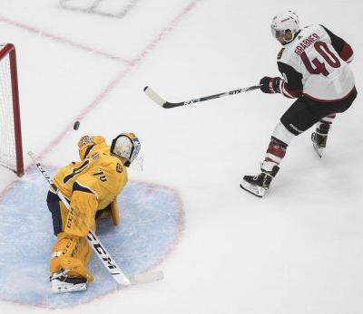 Coyotes hold off Predators to win series opener