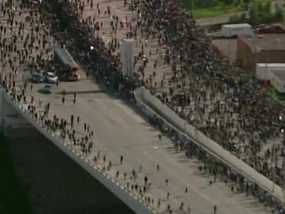 Police: 'Disturbing' video shows tractor-trailer driving into protestors on Minneapolis bridge