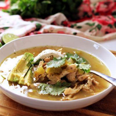Slow Cooker Chicken and Chile Soup