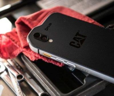 Cat S61 Android packs heat-vision, lasers, & MIL-SPEC toughness