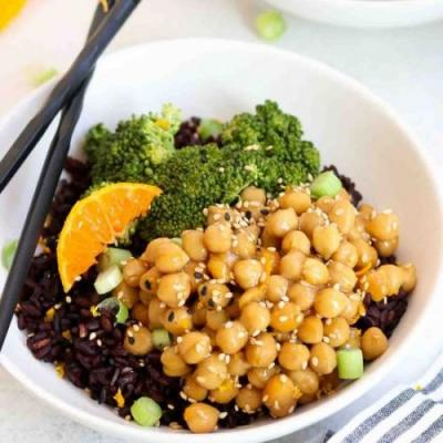 Orange Chickpea Buddha Bowl
