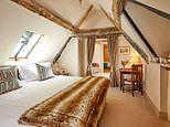Review of the Greyhound Inn in Oxfordshire which is the perfect ramblers' retreat