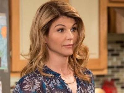 Fuller House: Why Aunt Becky Isn't In Season 5 | Screen Rant