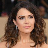 Mandy Moore's Watercolor Eye Shadow Was Absolutely Mesmerizing at the SAG Awards