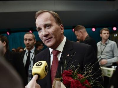 Swedes weigh choices before vote likely to boost far-right