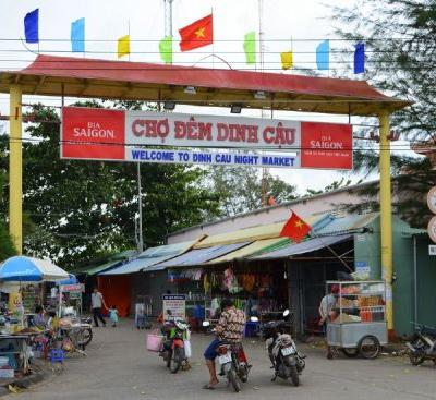 A Comprehensive Guide To Dinh Cau Night Market Phu Quoc