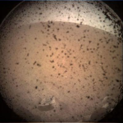 Mars Lander InSight sends the first of many selfies after a successful touchdown