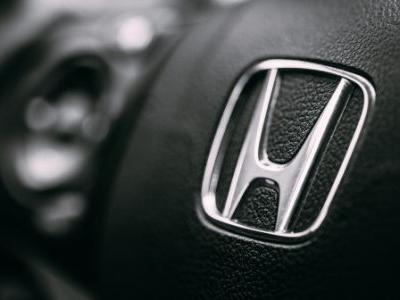 SoftBank and Honda team up to research 5G in connected cars