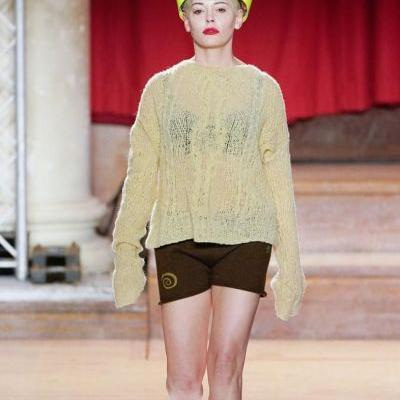 Rose McGowan just performed at Vivienne Westwood's rallying AW19 show