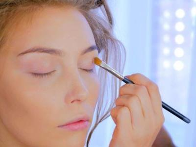 Floating Eyeliner: How To Get The Look