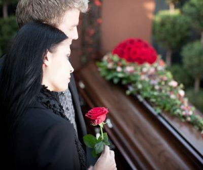 Checklist For Buying a Funeral Casket