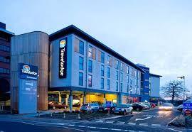UK's Travelodge launches Christmas themed room