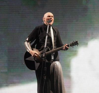 """Watch Smashing Pumpkins Cover """"Stairway To Heaven"""" At Reunion Tour Kickoff"""