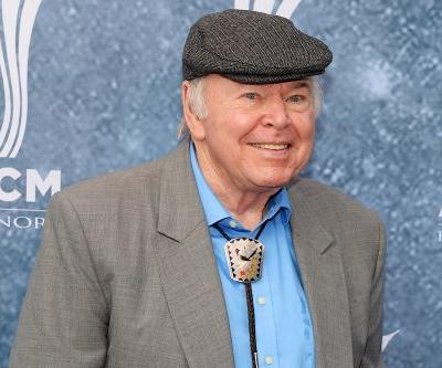 'Hee Haw' and country music star Roy Clark dead 85