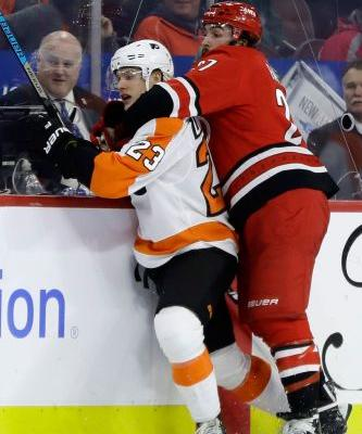 Hurricanes score 3 goals in 2nd to beat Flyers 5-3