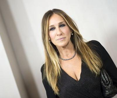 Sarah Jessica Parker Swears By This Laura Mercier Eyeliner, and the Colour Is Absolutely Wild