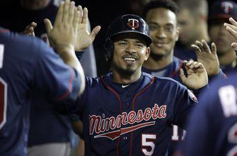 Twins rout Tigers, lead AL wild-card race by 2 ½ games