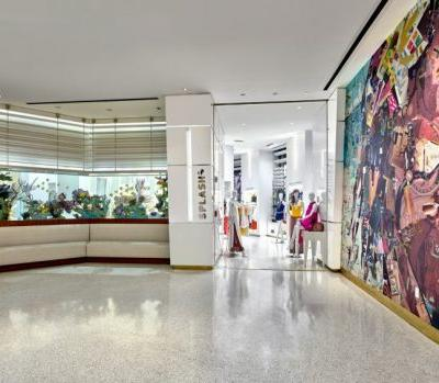 Meet Derek Gores, Loews Miami Beach Hotel's Artist In Residence