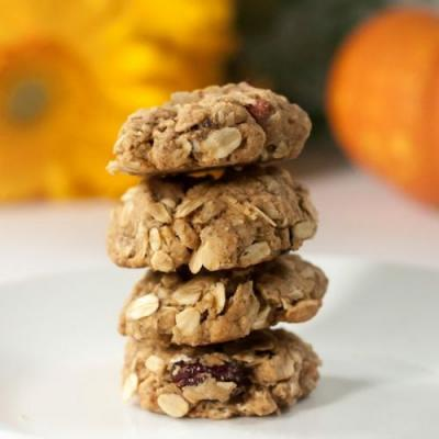 Vegan Autumn Spice Oatmeal Cookies