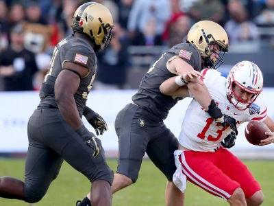 Army marches all over UH in Armed Forces Bowl
