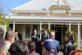 Drop in Australian home prices affects tourism!