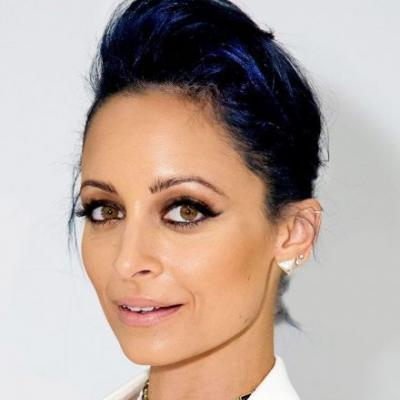 8 Celebrities Who Flawlessly Rocked Navy Blue Hair