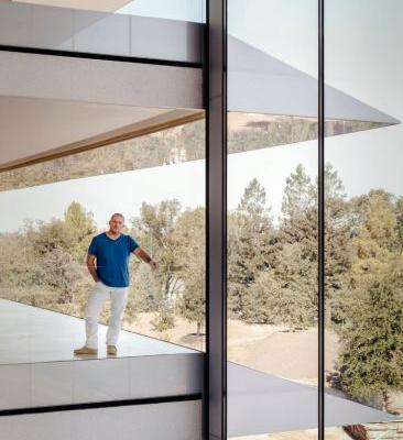 Jony Ive Weighs in on Apple Park and the Future of the iPhone X