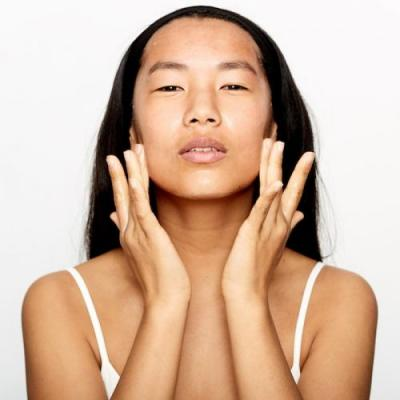 12 Cleansers That Brighten and Even Your Skin Tone Better Than Any Others