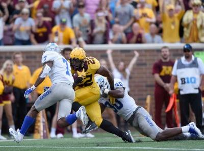 McCrary's 3 TDs Lead Gophers To 34-3 Win Over Middle Tennessee