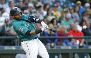 Cruz's 300th HR, Paxton's pitching pace Mariners past A's