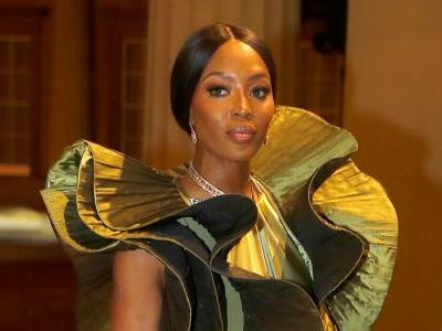Naomi Campbell Was a Voluminous Vision in Green at London Fashion Week