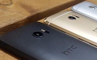 HTC grovels after serving up keyboard ads to some users